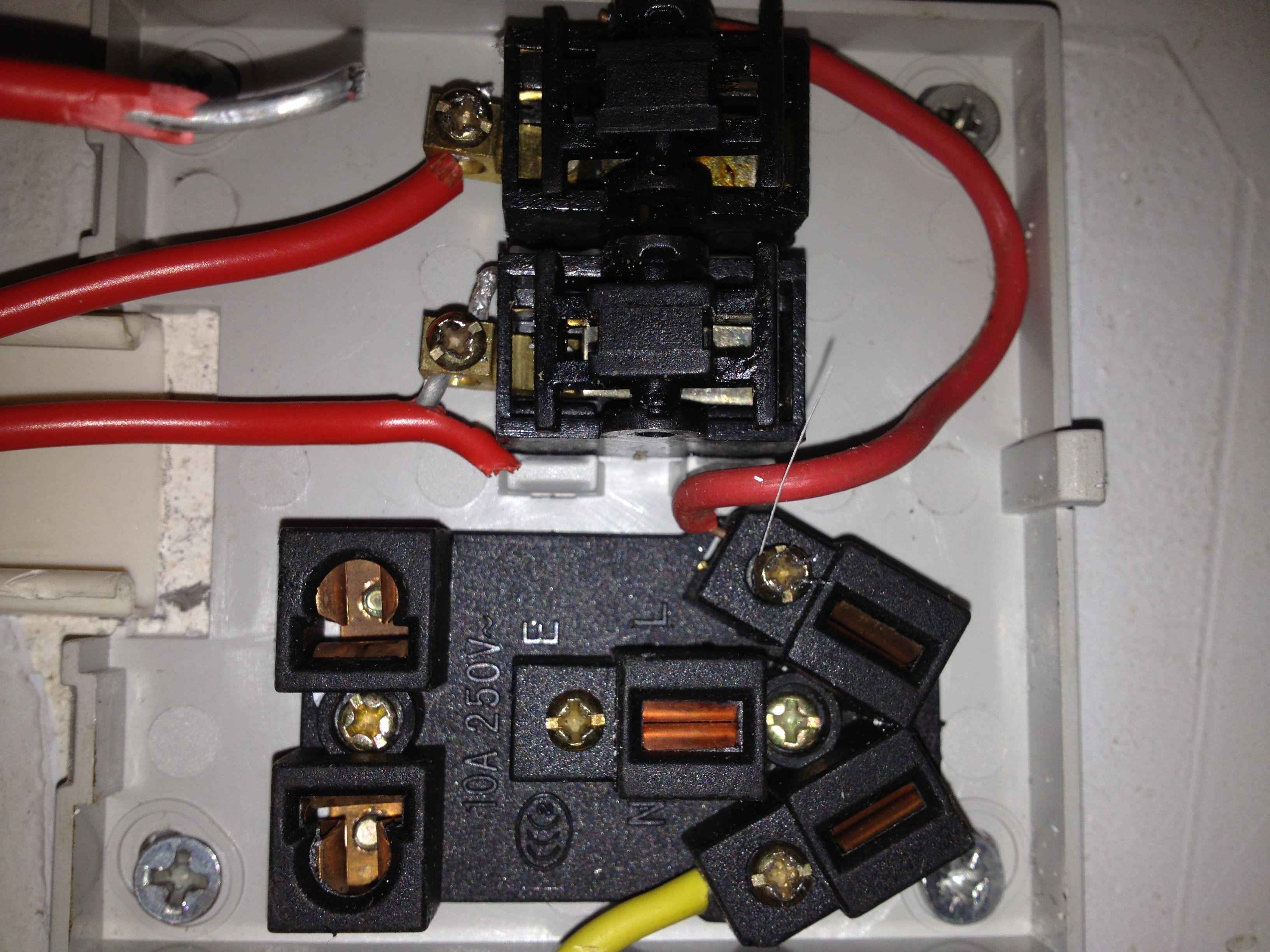请问2开5孔插座怎么接线?有图