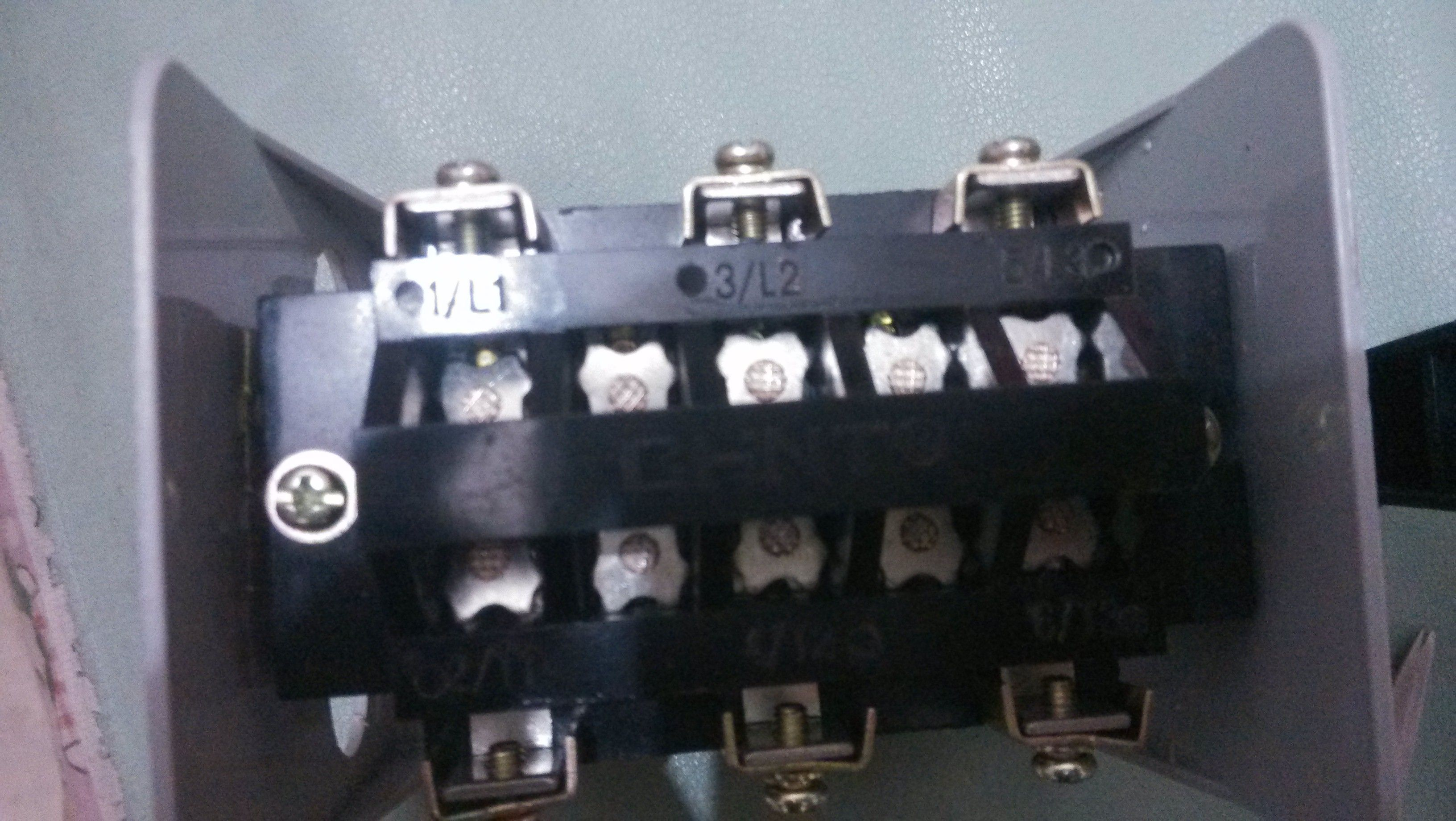 yh2 系列倒顺开关 接两项电机倒正转
