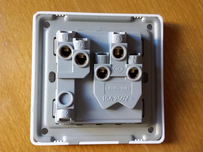 三孔一开,开关控制插座,怎么接线