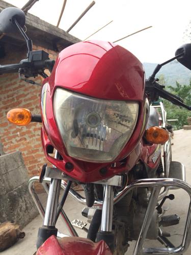 这种摩托车大灯能不能调远近