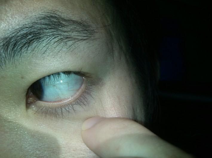 恐怖的眼睛手绘图片