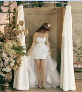 悠悠仓本安奈_唐悠悠的这个婚纱是什么款式?