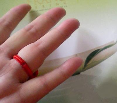 怎样用红绳编戒指图片