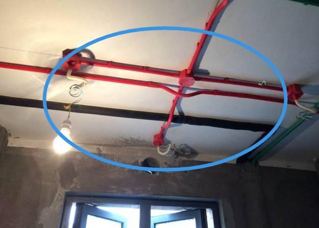 电线走吊顶要不要穿管