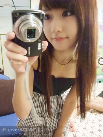 莫小晓qq空间妮妮的相册里面的美女是谁?