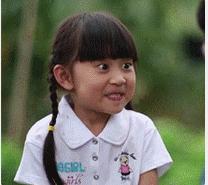 一个小女孩牙笑的那个是还是电视剧电影广告?胡歌演的抗战片叫什么名字图片