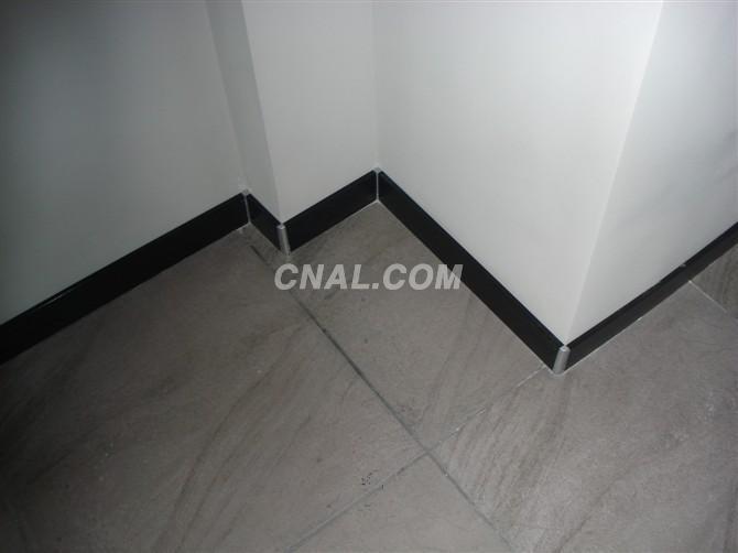 请问在铺贴地砖工艺中,加条镶边线是什么?谢谢!