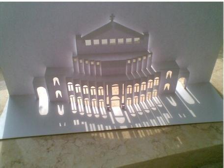 谁有开合式立体纸雕的图纸和成品图,要建筑物的,最好是能简单一点的.