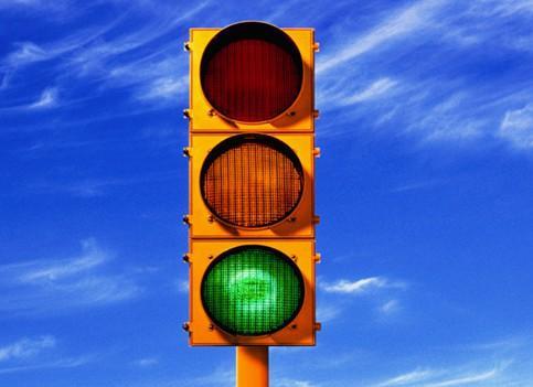 红绿灯交通规则怎么左拐?