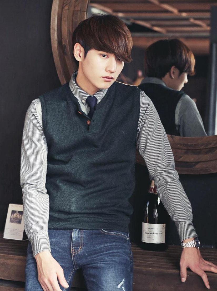 谁知道这个淘宝韩装男模特是谁?