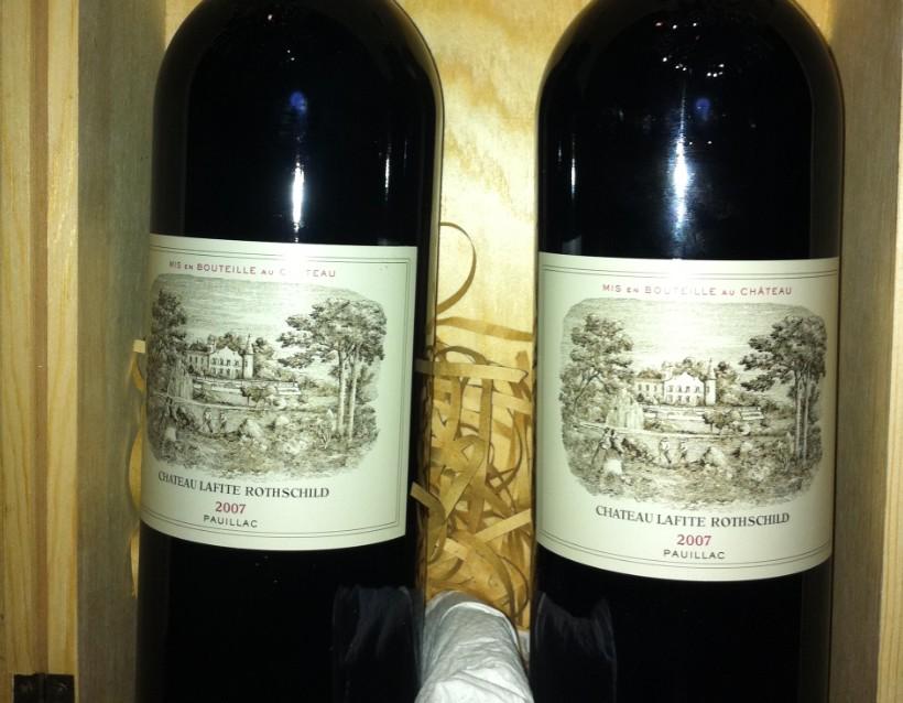 2007年的纯正牌大拉菲红葡萄酒木盒两只装的,市场价一图片