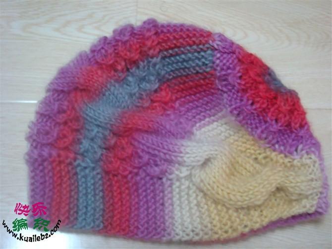 求这款帽子的编织方法,要详细的加减针及花样编织方法