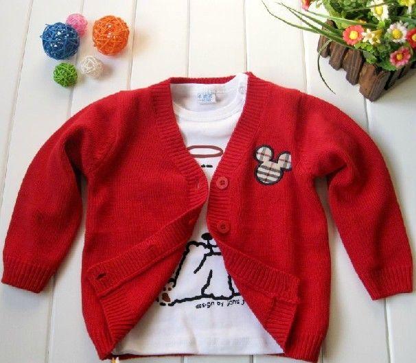 小米奇的婴儿毛衣编织款式虽然很常见,但图案放置位置不同,效果也不同