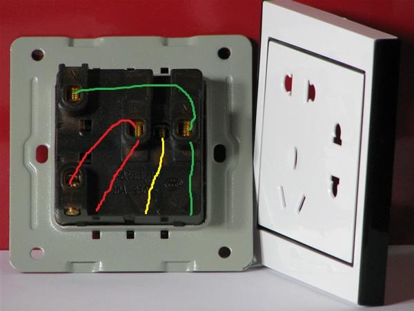 墙壁七孔插座怎么接线图