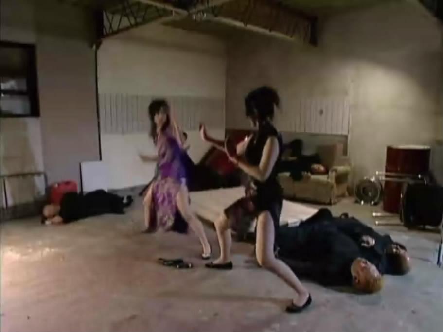 带美女两个字的图片_两个旗袍美女打架 求出处 哪部电影 或者 电视剧
