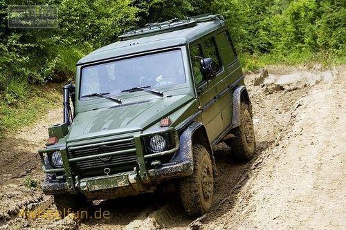 女生背影囹�a�g.9�%:�9c!_1,这是一款基于奔驰g底盘的巡逻车,由部署在德国联邦国防军中的g级