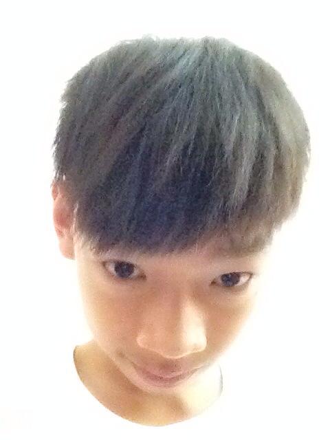 高额头的男孩适合什么发型?图片