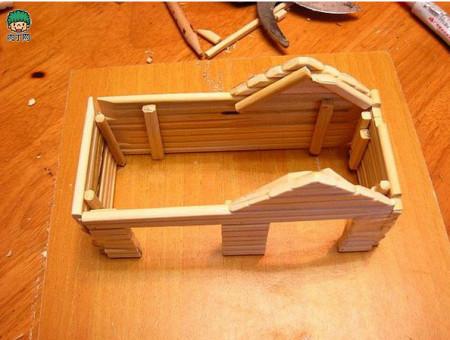 一次性筷子自制仓鼠窝的手工制作过程