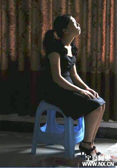 性侵女教师高清图片_有谁知道 王忠贵强奸的女教师周琴 的照片?