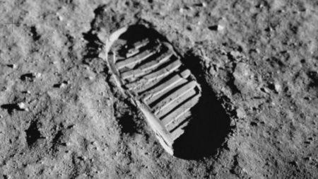 阿波罗登月有什么历史意义?的头图