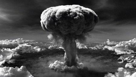 原子弹爆炸半衰期几万年,为何广岛和长崎现在就能居住?