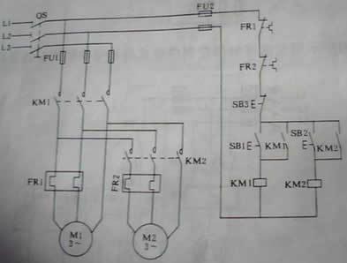 图中是一个继电器电路图,想问问哪个是常闭触点哪个是