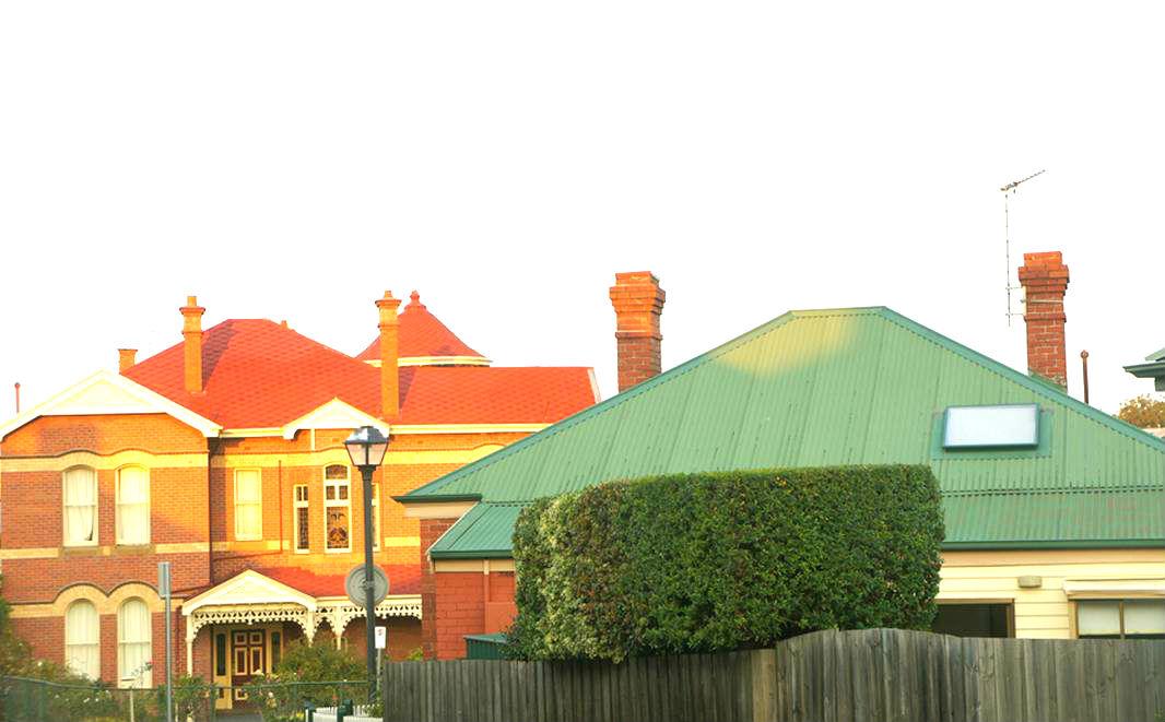 一幢幢可爱的房子,外墙颜色各异图片
