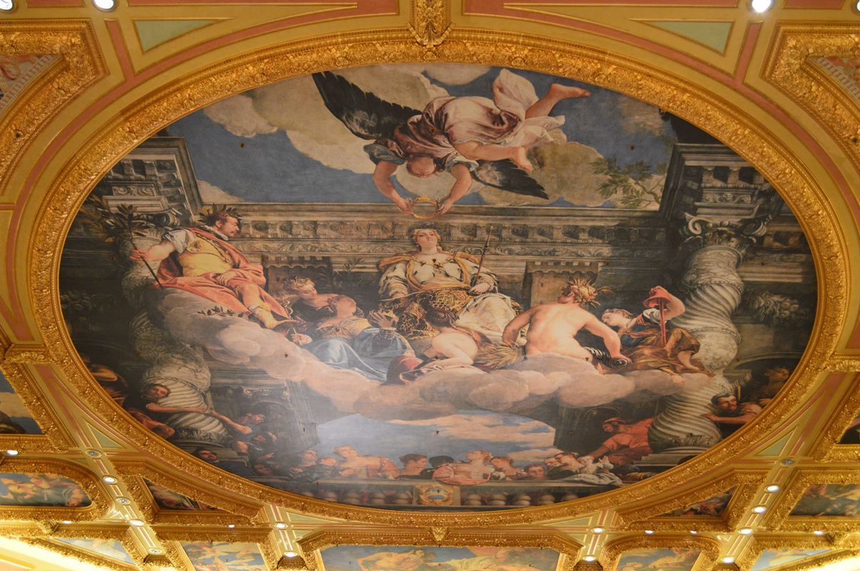 屋顶的欧式壁画图片