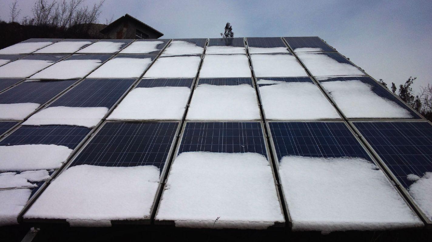 太阳能电池板图片