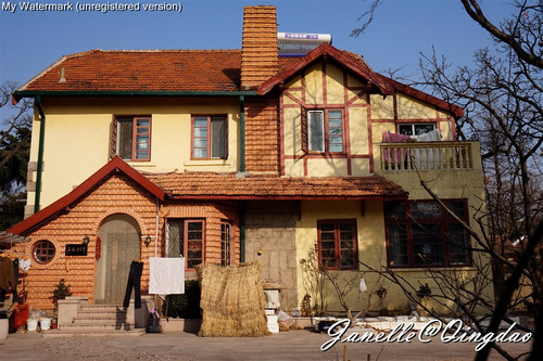 随处可见的欧式建筑,有的像童话故事里七个小矮人住的小房子.