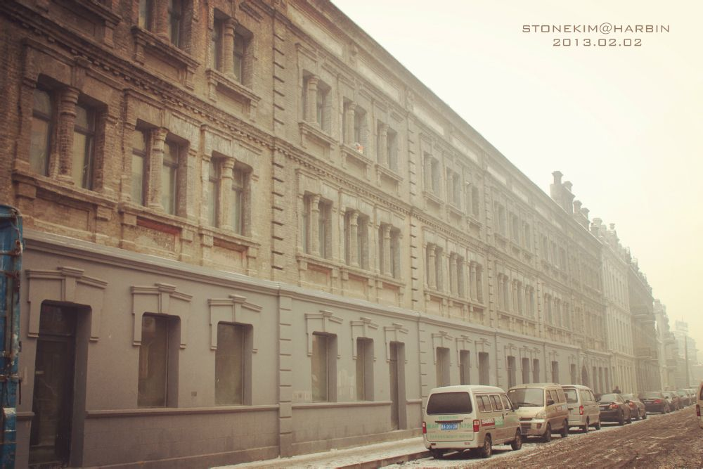 连排的中华巴洛克建筑使得整片街区都散发着古老的欧式风情图片