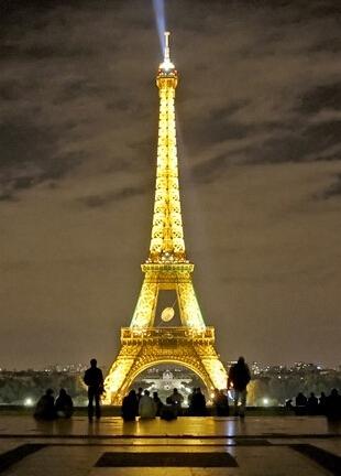 浪漫的埃菲尔铁塔图片