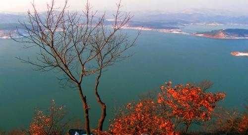 薄山湖风景区有什么好玩的?