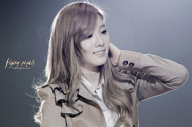 求少女时代队长金泰妍的可爱 高清壁纸