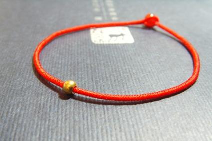 谁知道用红绳编的转运珠手链吗? 求解答.谢谢!图片