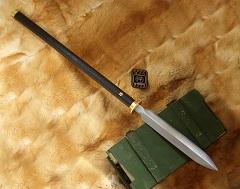 古代冷兵器里有没有什么武器介于长矛和剑之间的?图片