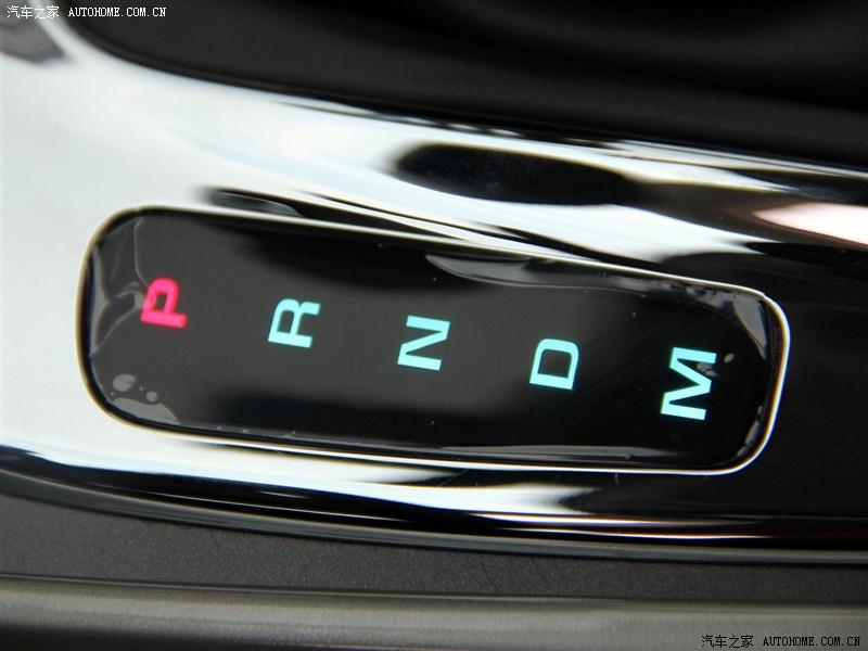 这是最普遍的自动挡车档位标示,p是停车挡,r是倒档,n是空挡,d是前进挡