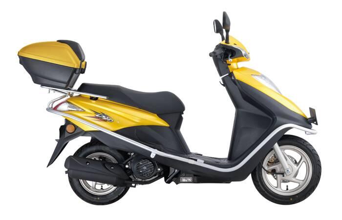 摩托车,新大洲本田dio125踏板车多少钱,质量怎么样,这个价位有比他好