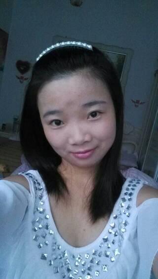 我的脸大~额头突出~适合什么发型~不想流齐刘海了图片
