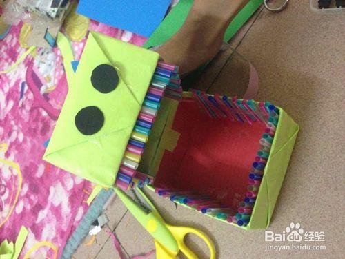 怎么用废旧纸盒制作小动物牙齿?