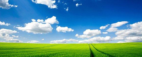 蓝天白云很好,新的学期伊始,新人新气象,清清爽爽有个愉快的好心情.图片