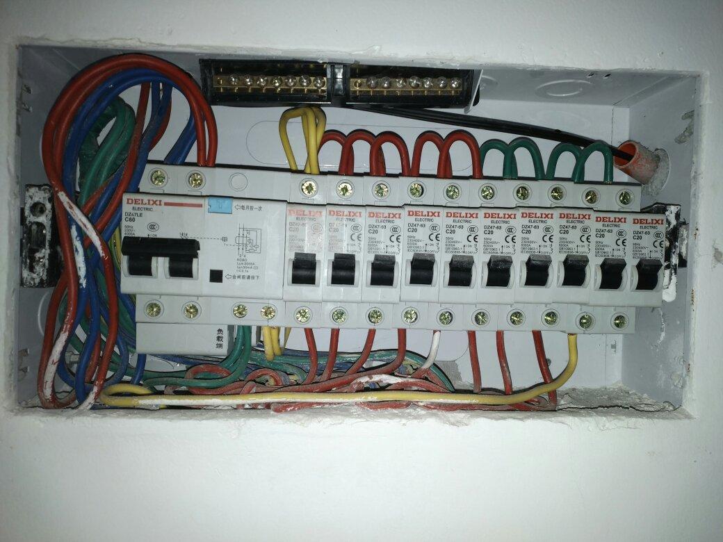 如何从配电箱接线接一个两相插座给光猫供电