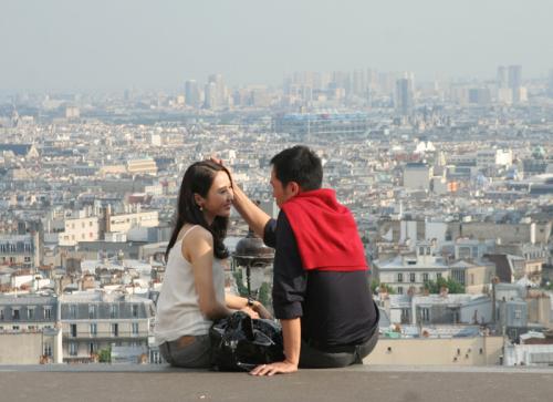求《珠光宝气》黎姿陈豪巴黎蜜月碰头照片