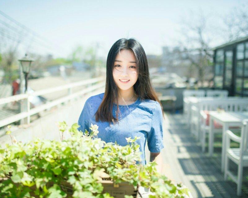 女生�yg��i)�aj_求一些唯美小清新文静的女生头像!