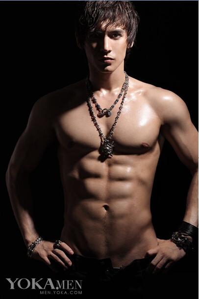 肌肉帅哥图片