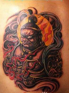 朱芳雨身上的纹身是山东付海林的创作手稿巨灵神,原型是图片