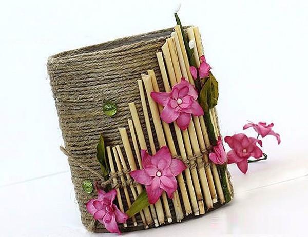 手工制作典雅的麻绳花朵笔筒   千水星官网看到的