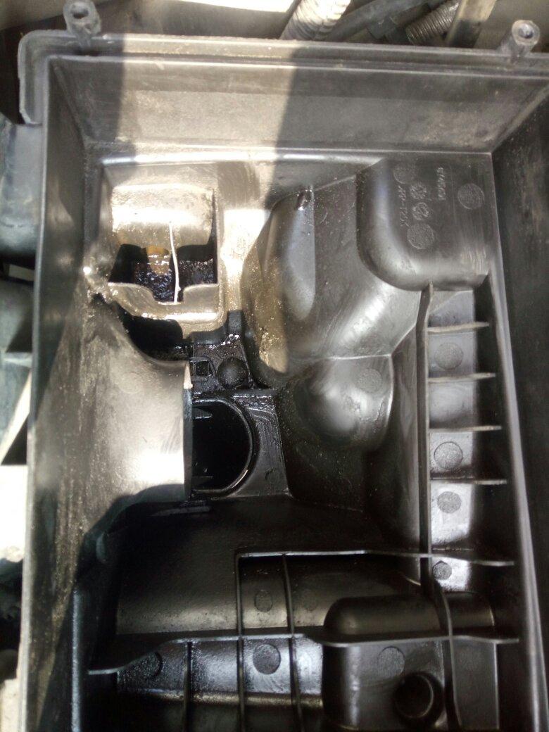 福克斯经典机油从废气管进入空气格(就是从气门盖连接图片