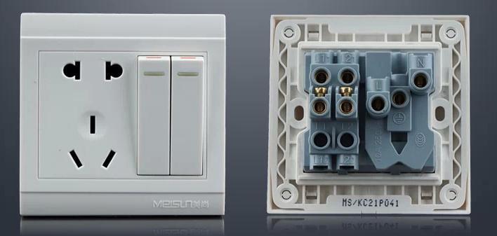 2個開關 5孔插座,如何接線?
