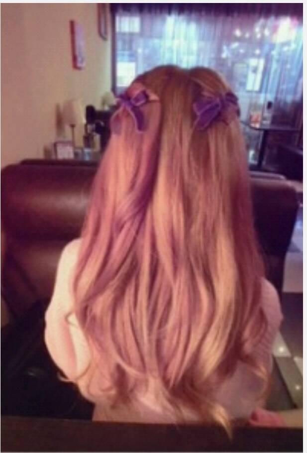 有没有好看的女生长头发披着的发型图片?图片